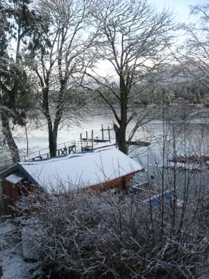 Cabin 2 in the snow-400.jpg