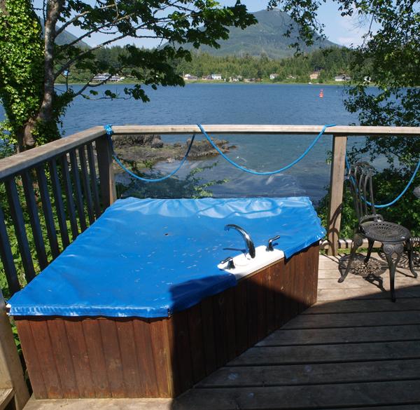 Cabin 2 Jacuzzi soaker tub